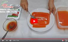 Cách làm thạch rau câu bột gấc màu đỏ cam thơm ngon lạ mắt