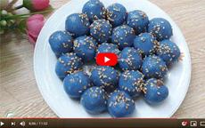 Cách làm bánh trôi màu xanh dương hoa đậu biếc [video]