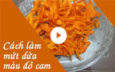 Cách làm mứt dừa màu đỏ bột gấc [Video]