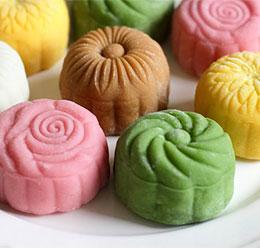 Bánh trung thu độc đáo nhiều màu sắc cho ngày Tết Trung Thu thêm ý nghĩa